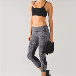 Lululemon Athletica Pace Rival Cropped Leggings